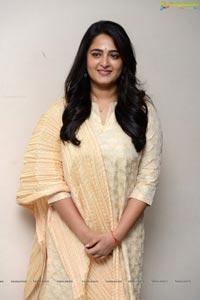 Anushka shetty at Bhaagamathie Success Meet
