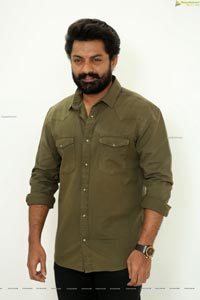 Kalyan Ram at Entha Manchi Vaadavu Raa Interview