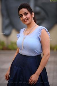 Manjusha HD Photos at Sarileru Neekevvaru Thanks Meet