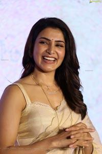 Samantha Akkineni at Jaanu Trailer Launch