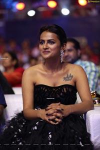 Shraddha Srinath at Zee Cine Awards Telugu 2020