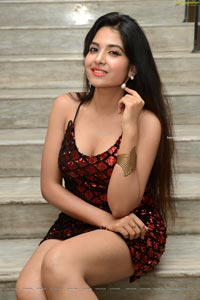 Simar Singh at Commitment Title Launch