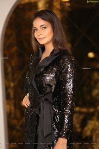 Veena at Mirrors Luxury Salons' Kerastase Lounge