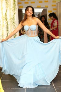 Aditi Sonali Tiwari at Prasanna Yanumula Store Opening