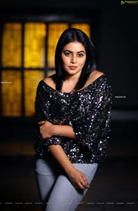 Poorna Stills From Back Door Movie