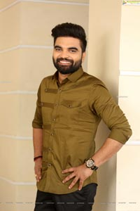 Pradeep Machiraju at 30 Rojullo Preminchadam Ela Interview