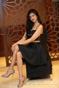 Riya Singh at Sutraa Exhibition Festive Special