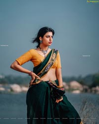 Sasha Singh in Village Belle Look in Green Saree
