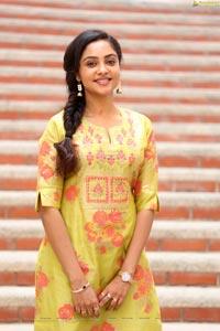 Smruthi Venkat at Naveen Chandra New Film Opening