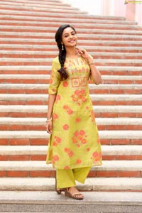 Smruthi Venkat at Naveen Chandra New Film Opening