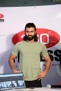 Vijay Deverakonda at 360 Degrees Fitness Website Launch