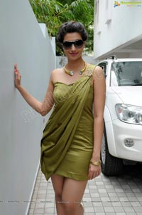 Eega Guest Role Actress Hamsa Nandini Photos