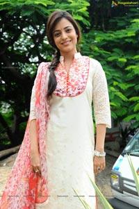 Kajal Agarwal Sister Photos