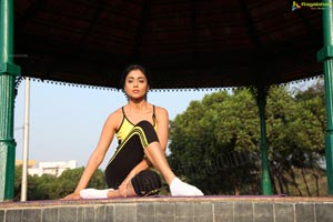 Bollywood Actress Shriya Saran High Definition Wallpapers