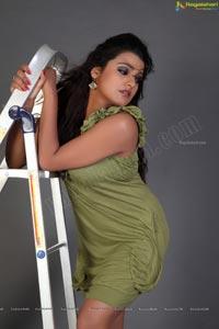 Tashu Kaushik Unseen Photos