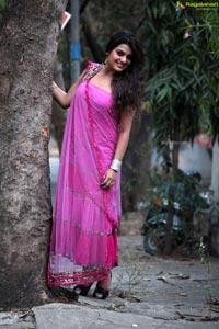 Telugu Heroine Tashu Kaushik Unseen Exclusive Photos