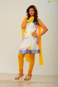 Viraat Kannada Movie Heroine Isha Chawla Stills