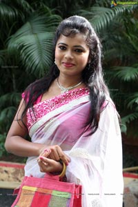 Heroine Naveena Jackson