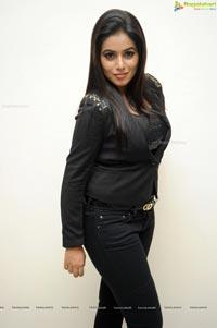 Heroine Poorna