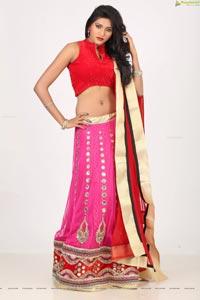 Shalu Chourasiya HD Photos