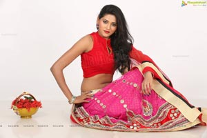 Shalu Chourasiya HD Photos