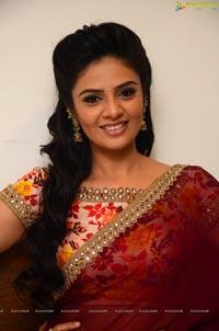 Sree Mukhi Saree