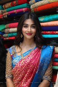 Pooja Hegde Pattu