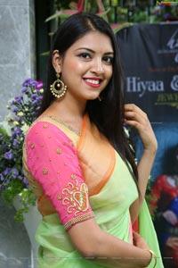 Yashu Mashetty Hiyaa Laasya Jewellers