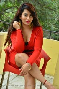 Sanjana Naidu Hot
