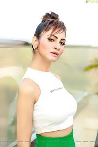 Shilpi Sharma Portfolio Pics