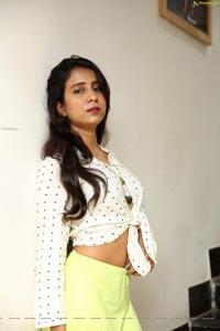 Vidya Indurkar at Brand Factory Big Brands Big Deals