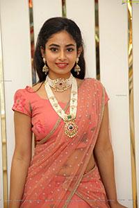 Model Honey Chowdari in Peach Lehenga Choli