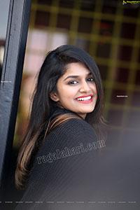 Sanjana Anand in Black Sweatshirt