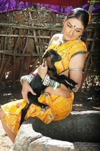 Ramya Sri in O Malli - High Definition Stills