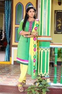 Madha Gaja Raja Heroine Anjali