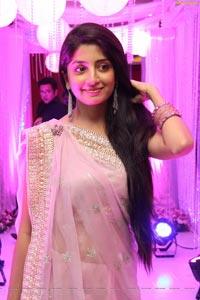 Poonam Kaur HD Photos