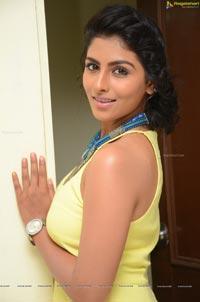 Kruthika Jayakumar Pics