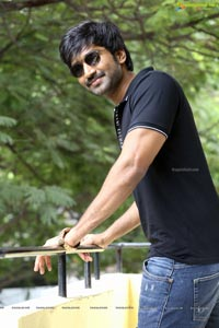 aadhi-pinisetty-marakatamani-interview