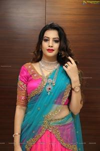 Diksha Panth @ Malabar Gold & Diamonds Jewellery Show
