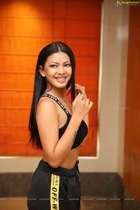 Kavita Mahatho at Sutraa Exhibition Curtain Raiser