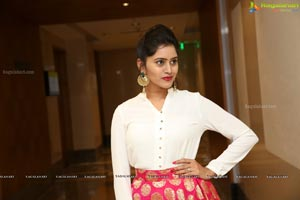 Swati Kashyap at Sutraa Exhibition Curtain Raiser