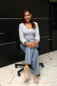 Madhu Shalini at Naturals Family Salon