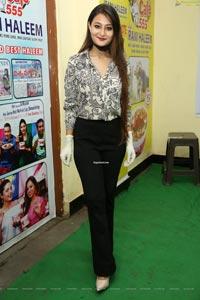 Nilofer Haidry at Naturals Salon Suraksha Salon Program