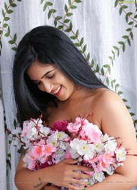 Sravanthi Chokavarapu Flowers-Themed Photoshoot