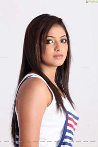 Vallakottai Heroine Haripriya