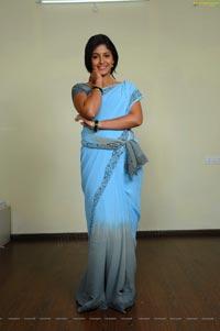 Anjali in Madha Gaja Raja