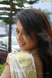 Isha Ranganath Pelladandi Preminchaka Matrame
