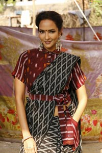Lakshmi Manchu HD Photos