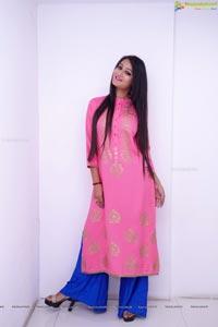 Nilofer Haidry in Pink Dress