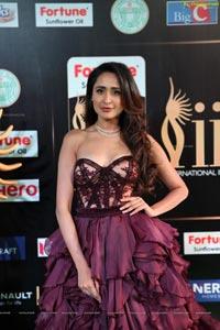 Pragya Jaiswal IIFA 2017